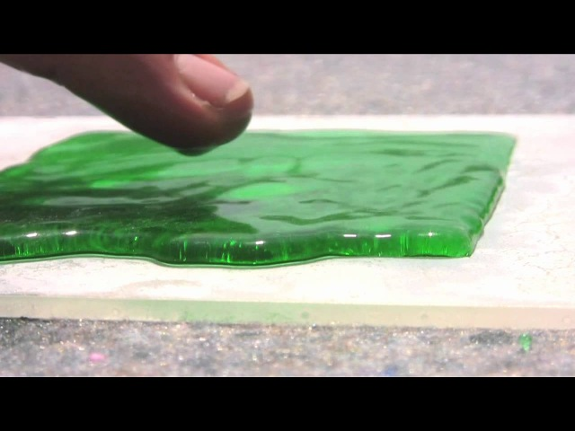 The Official Ultra-Ever Dry Video - Superhydrophobic coating - Repels almost any liquid!