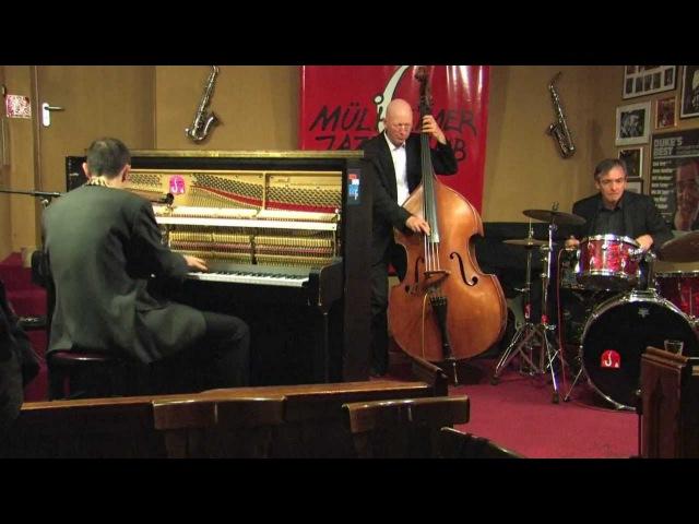 Michael Alf Trio plays Boogie Woogie Stomp