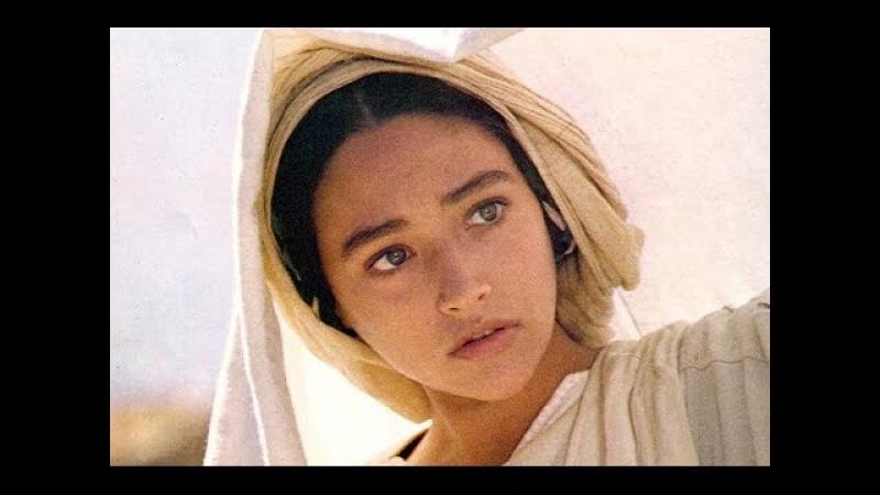 The Most Beautiful Ave Maria I've ever heard (with translated lyrics / english subtitles)