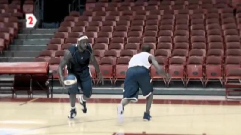LeBron James Fake pass Signature moves