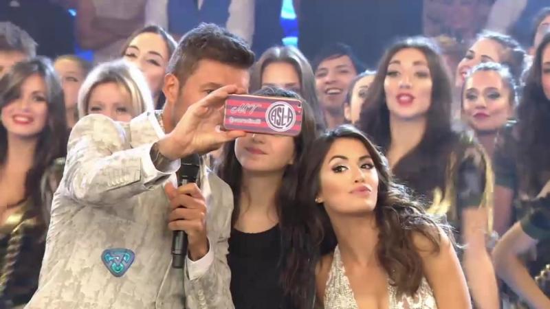 La hija de Tinelli se sacó una selfie en vivo con Lali Espósito
