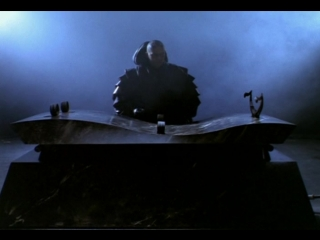 Lexx s01-e01 i worship his shadow.