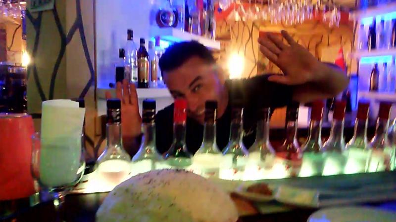 Аланья ,Аli ульотний бармен