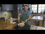 Оскара Кучера готовит стейк на Frybest