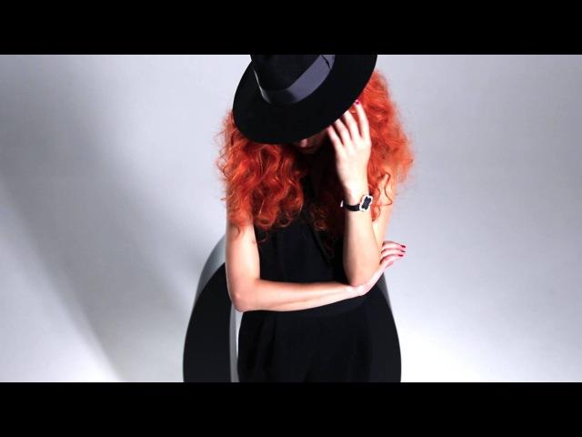 Топ-модель Алла Костромичева в промо-видео OFFICIEL-ONLINE.COM