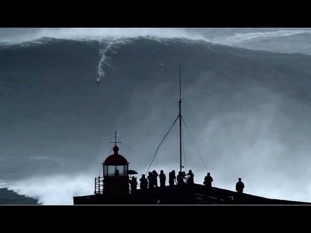 BIGGEST WAVE in the World surfed 100ft at 02:50min