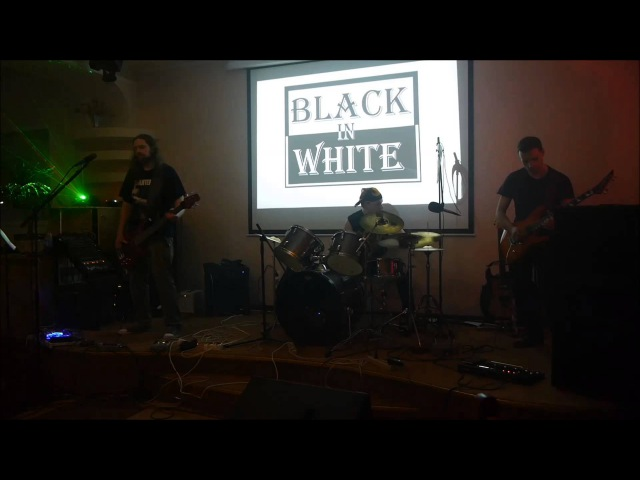 2015.03.28 Metallica - Master of puppets (Cover Black in White)