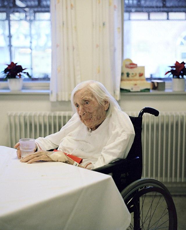 фото пожилой женщины