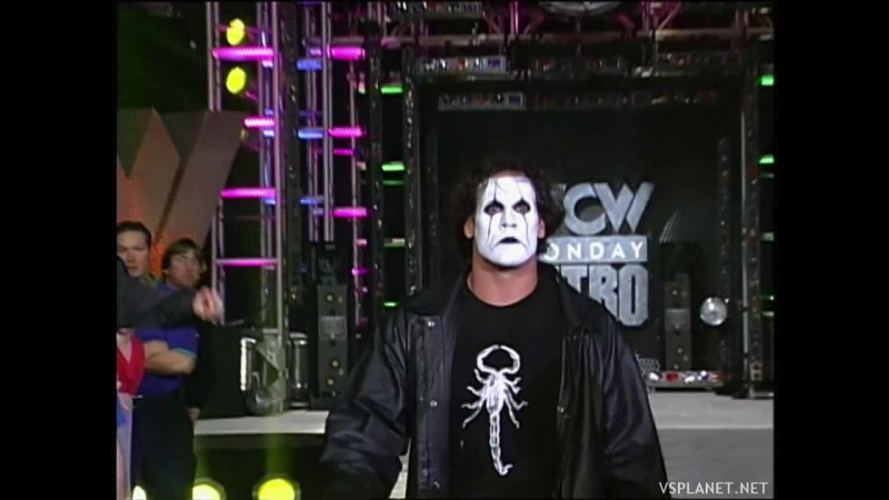 Sting clears the ring, WCW Monday Nitro 16.12.1996