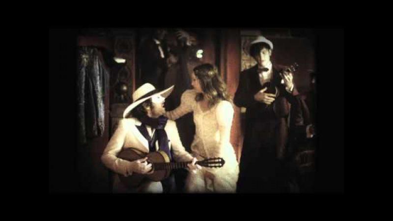 Vanessa Paradis et -M- dans La Seine (clip officiel d'UN MONSTRE A PARIS)