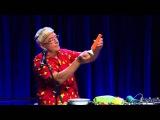 Игра на саксофоне из моркови - морковный джаз