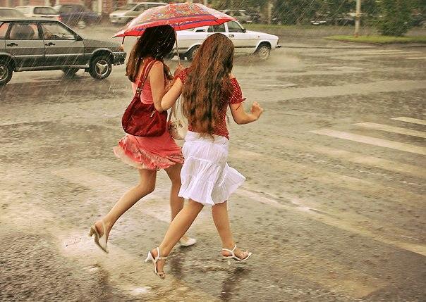 МЧС: в ближайшие три часа в Таганроге и области ожидается ливень с градом и сильный ветер