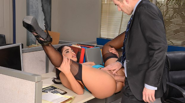 Brazzers - She Wants Me Fired