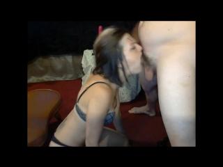 Ебет рабыню в рот