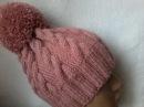Вязание шапки с косами спицами.
