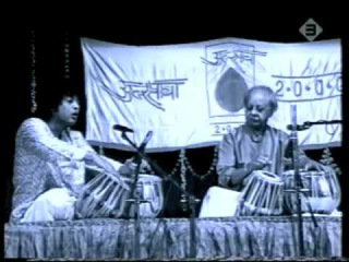Ustad Zakir Hussain playing with his father Ustad Allah Rakha - 2