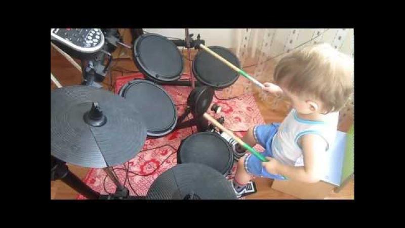 Леня играет РОК (Skillet-Comatose)