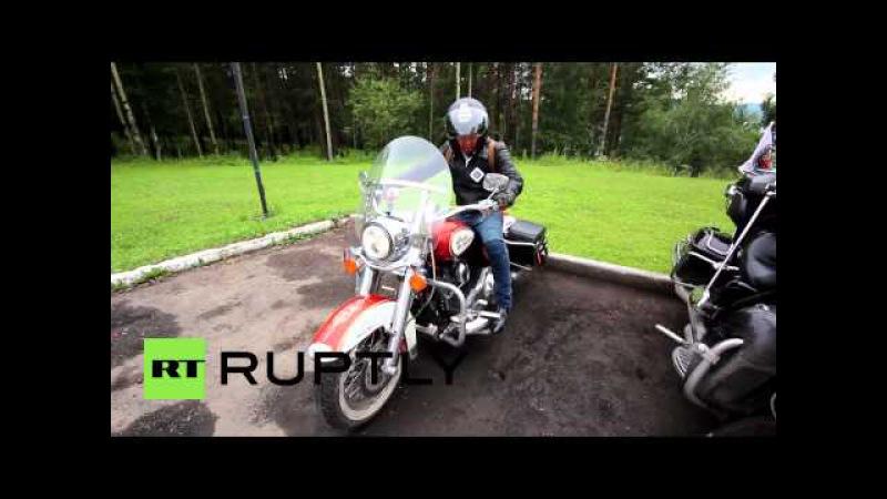 Россия: Пекин-Байкал мотокросс банда сделал это 3,500 км в течение двух недель.