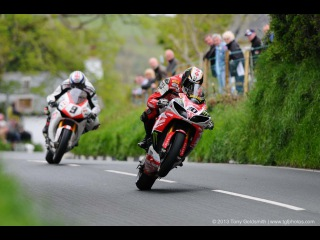 Isle of Man TT-202mph=325.018 km/h.Street Race.2015 ♫ ♫ ♫