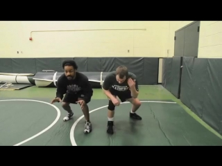 Proper Wrestling Stance and Positioning Basic Wrestling Moves and Technique For Beginners(1) [720p]