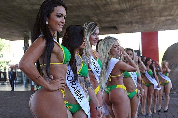 В сочный бразильский зад