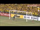 Quase do meio campo, Paulinho faz gol à la Marcelinho batendo falta