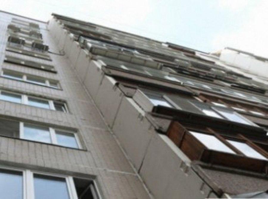 38-летняя ростовчанка разбилась насмерть, выпав с балкона восьмого этажа