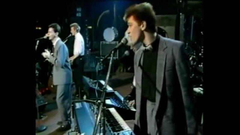 Depeche Mode - Just Can't Get Enough (Live at Mandags Borsen 08-03-1982 Sweden)