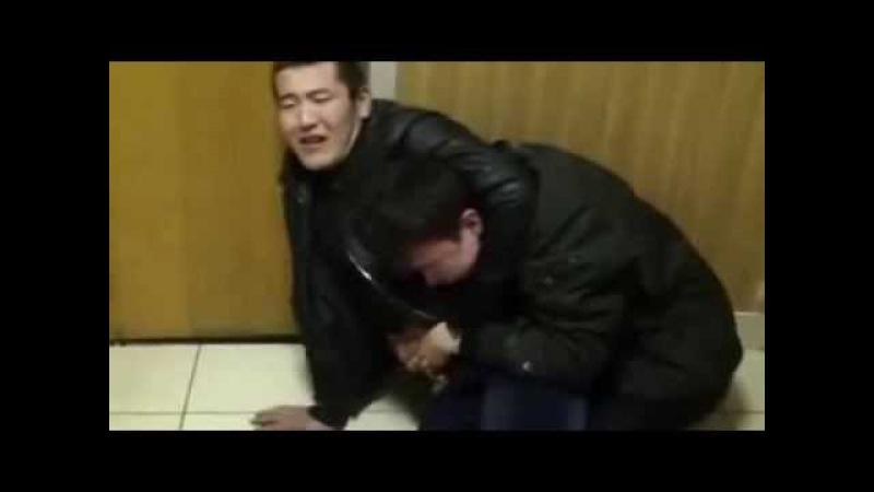 Киргизы под спайсами в полицейском участке