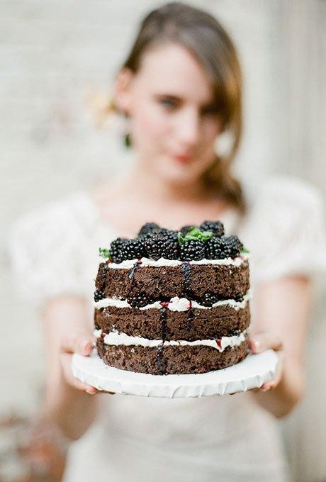 igliBvZ10rA - Темный свадебный торт (20 фото)