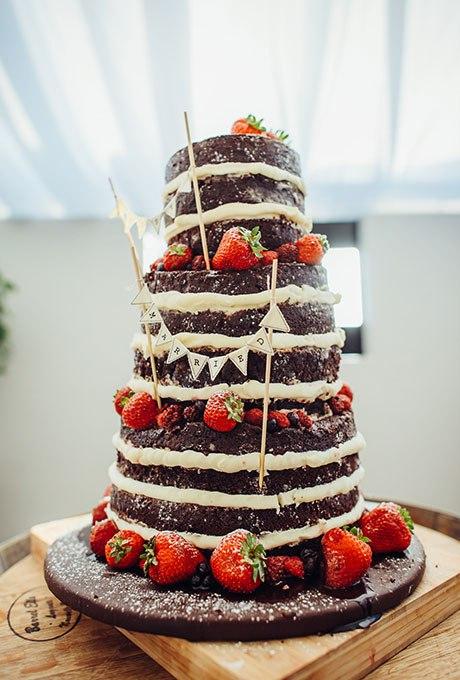Em4DzdQQRMI - Темный свадебный торт (20 фото)