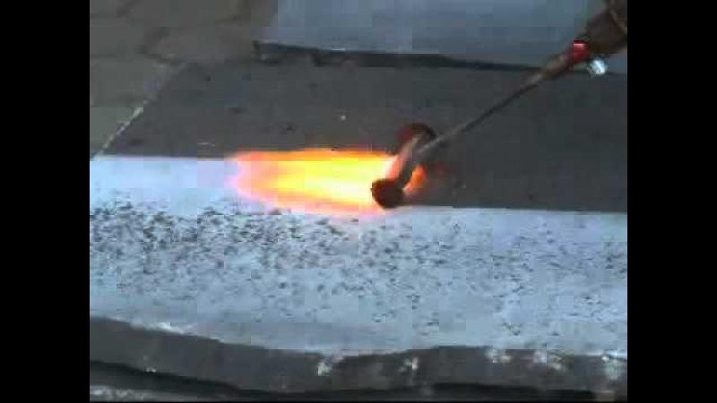 Создание шершавой поверхности на гранитной плите с помощью газовой горелки