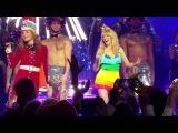 Кайли Миноуг на своем Рождественском шоу 9 декабря появилась в платье цветов ЛГБТ-флага  Kylie Minogue &amp Katherine Jenkins - Your Disco Needs You  - Royal Albert Hall 2016
