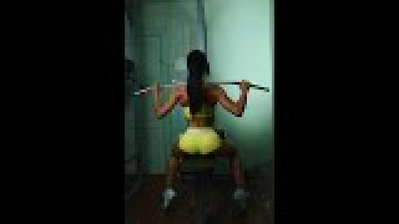 Тренировка верха (грудь, спина, плечи, руки)для девушек в тренажёрном зале!!