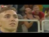 Двое парней поцеловались, когда награждали белорусского атлета в Рио