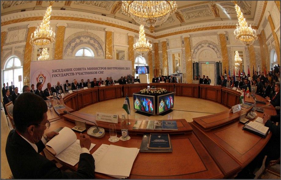 ВПетербурге проходит совещание Совета МВД стран СНГ