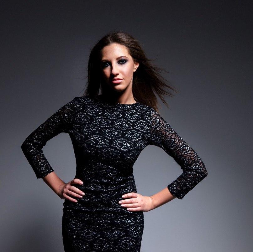 Александра Посиделова |