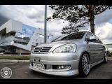 Toyota Ipsum правильный мини-вэн