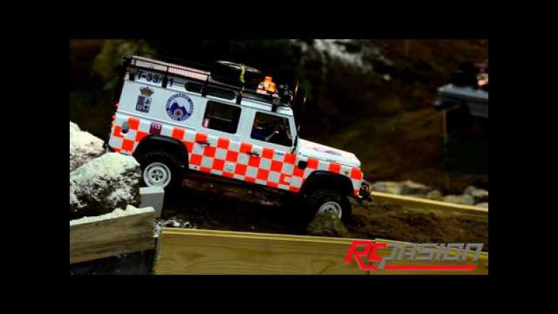 Land Rover Defender 110 Voluntarios Llena en acción