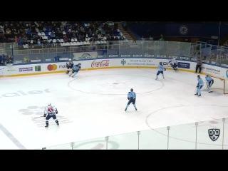 Евгений Мозер травмируется в столкновении с Артюхиным 11.11