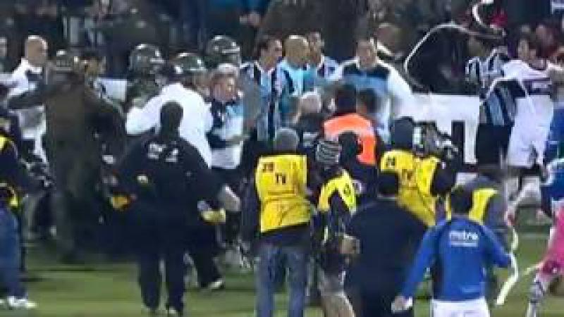 CONFUSÃO! Wanderlei Luxemburgo Agredido - Huachipato 1 x 1 Grêmio - Copa Libertadores 2013