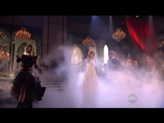 Taylor Swift - I Knew You Were Trouble (Live at AMAs 2012)
