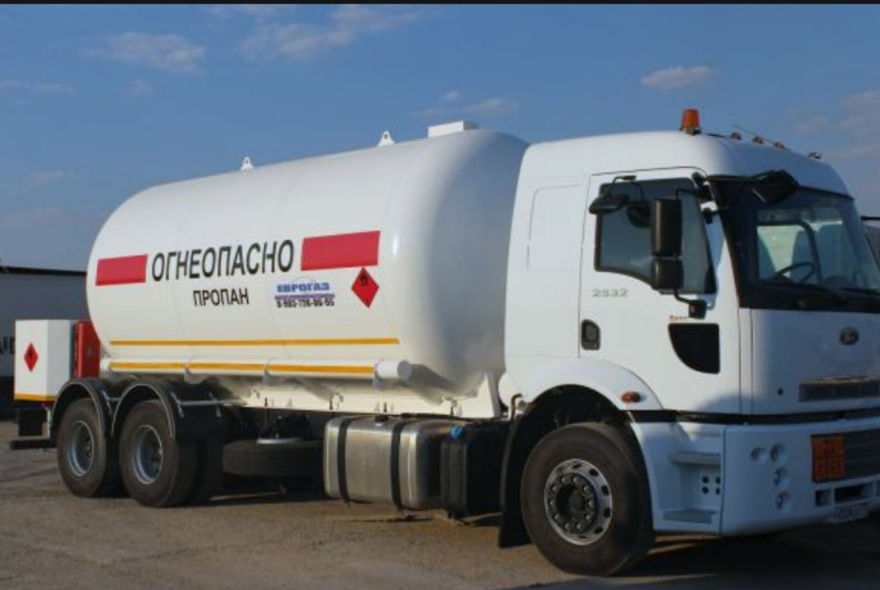 Заправка газом газгольдера стоит в Санкт-Петербурге, Ленинградской области