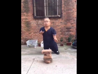 A Strong Chinese Man :)))
