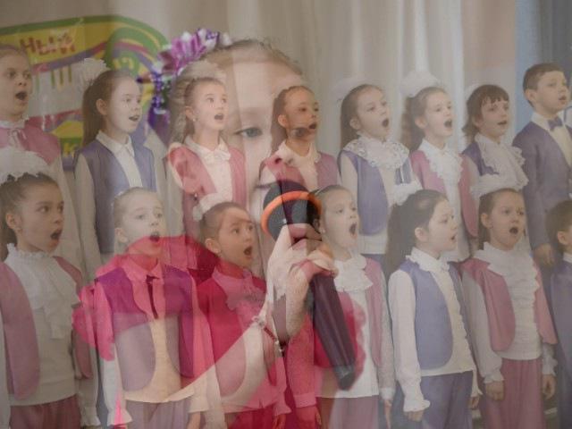 Винтовая лестница Музыкальный калейдоскоп Гербом и флагом России горжусь