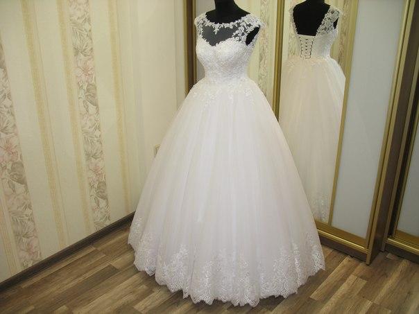 Весільні сукні . Індивідуальне пошиття весільних суконь  0490ed09afc00