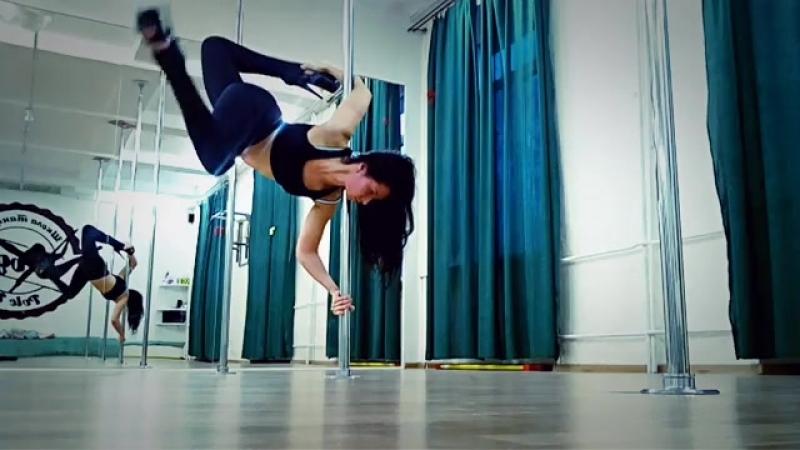 Exotic Pole Dance трюк вис на локте Юлия Николишина