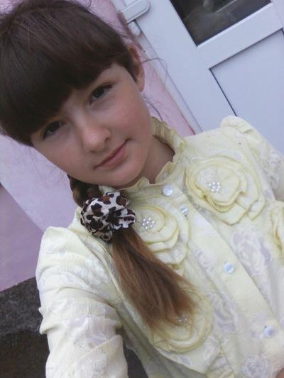 Лера Власенко