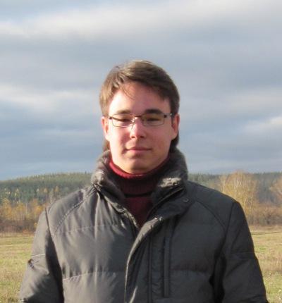 Роман Атангулов