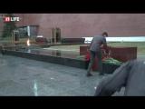 Питер!  Мы с тобой! Скорбим...Акция памяти погибших в питерском метро. Александровский сад